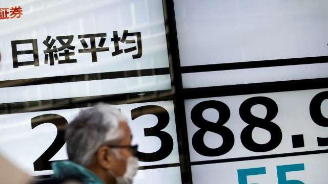 東京股市突破28000點心理關卡 觸及30年又5個月高點 (圖片:AFP)