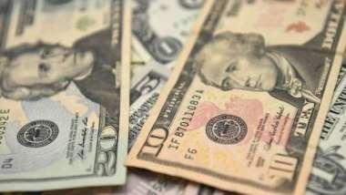 美元連四日反彈 隨美債殖利率攀高 拜登數兆美元刺激計畫受矚目 (圖:AFP)