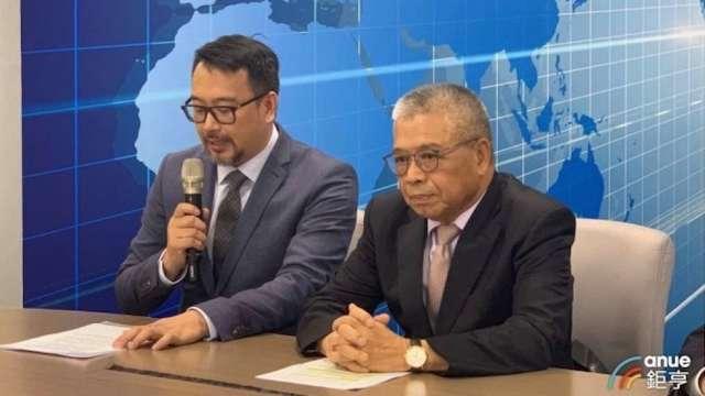 右起為百德董事長謝瑞木、總經理謝天昕。(鉅亨網資料照)