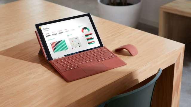 微軟再推Surface新品攻商務市場,組裝廠營運添動能。(圖:微軟提供)