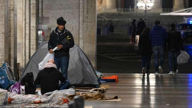 經濟大衰退2倍!新冠疫情失業潮 全美未來4年恐增加60.3萬名遊民(圖片:AFP)