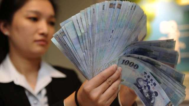 台積電對今年第一季新台幣匯率假設來到27.9元。(圖:AFP)