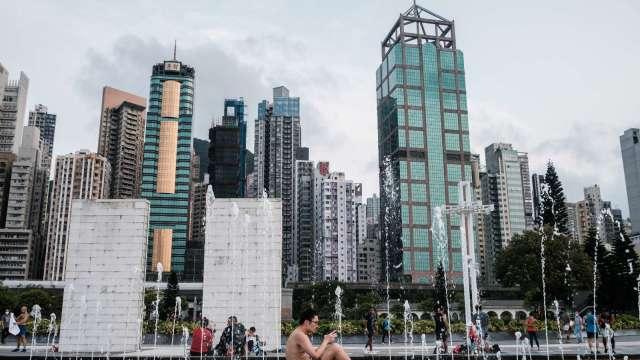 英國移民新制月底上路 美銀:或使今年香港資本外流總額達360億美元 (圖:AFP)