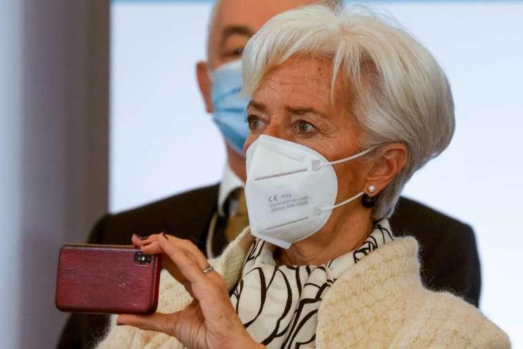 無視歐洲央行 (ECB) 總裁拉加德 (Christine Lagarde) 近期的監管警告,比特幣多頭持續挺進 (圖片:AFP)