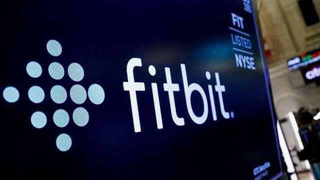美司法部默許?谷歌稱已完成Fitbit收購案(圖:AFP)