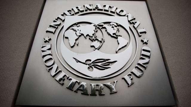 IMF: 不確定性因素還在 各國仍需有力的財政貨幣政策(圖片:AFP)