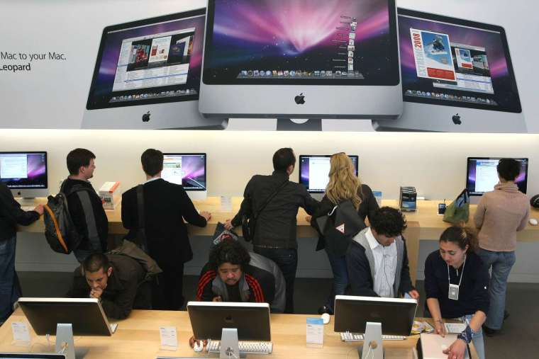 蘋果近十年來未有更新的 iMac 桌上型電腦將在今年推出新款 (圖片:AFP)