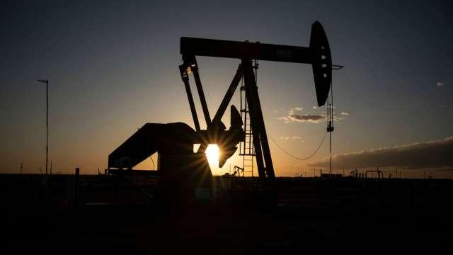 〈能源盤後〉需求引擎熄火 中國疫情再起 原油下挫 WTI本週幾乎打回原形(圖片:AFP)