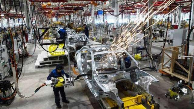 車用晶片短缺問題難解 美車廠籲請美國出面施壓晶圓代工廠(圖:AFP)