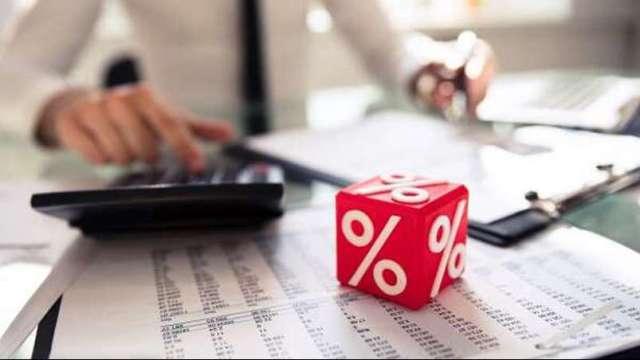 投信基金規模衝高 去年增逾5000億元 股市趨勢向上建議重股輕債。(圖:shutterstock)
