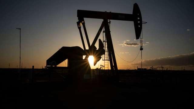 〈能源盤後〉市場盼葉倫端牛肉 美元走疲 原油收高 (圖片:AFP)