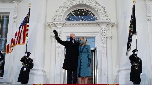 拜登宣誓就任美國第46任總統 三大指數締新高(圖片:AFP)