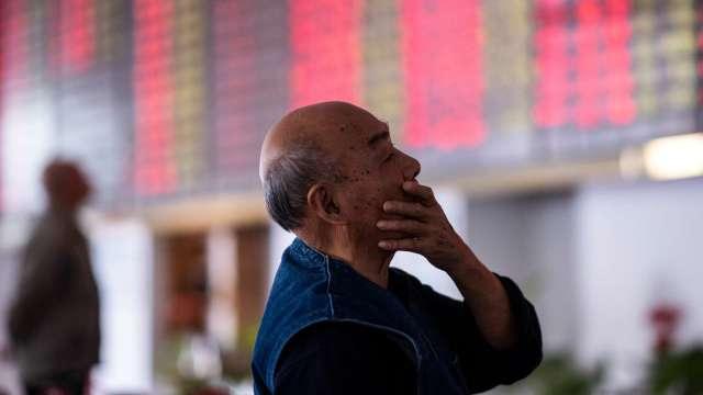 歐菲光尾盤急殺一度跌停 傳賣廠房給立訊精密 (圖:AFP)