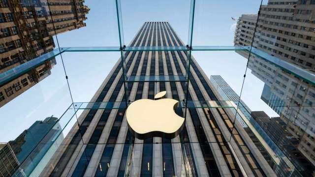 科技股財報周將登場 華爾街看好蘋果營收首度突破1000億美元(圖:AFP)