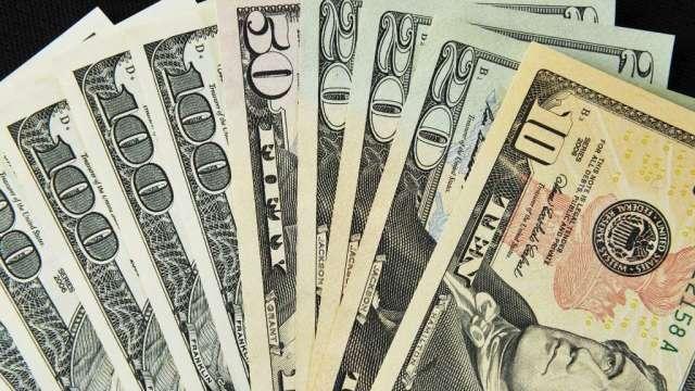 〈每週CFTC報告〉投機者重新增持美元空頭 繼續看多歐元(圖:AFP)