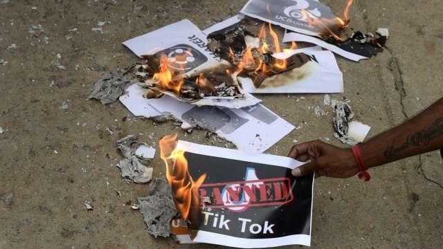 不滿資安立場回答 印度永久禁止抖音、微信等中國59個app(圖片:AFP)