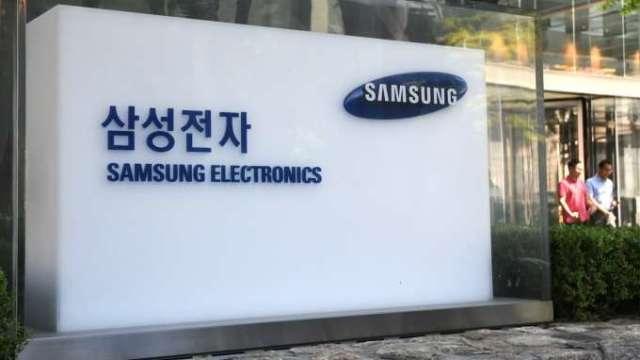 積極追趕台積電 韓媒:三星正為特斯拉開發5奈米自駕晶片(圖:AFP)