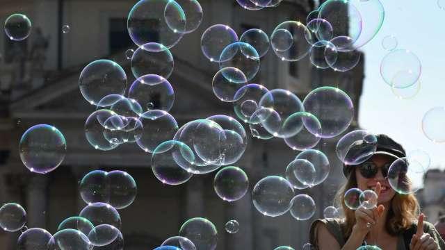 「這不正常!」 美股重燃泡沫憂慮 恐慌指數盤中大漲20%(圖:AFP)