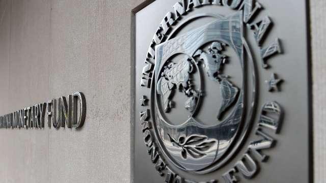拜登紓困案潛在動能強!IMF:美今年GDP成長上看6.35%(圖:AFP)