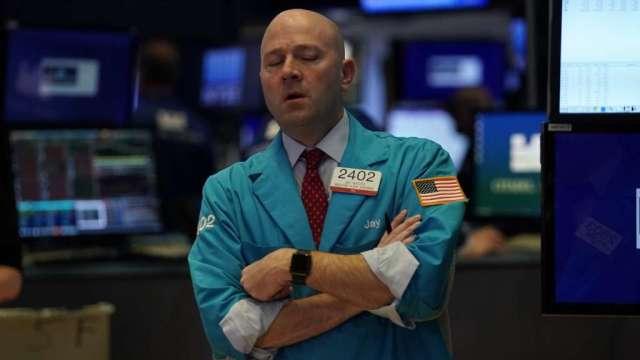 公司愈糟股價卻愈強?華爾街空軍正因不敵散戶網軍慘賠(圖:AFP)
