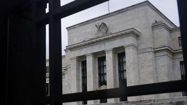 對經濟樂觀 Fed新投票委員:央行不該因股市大漲而過早退場 (圖:AFP)