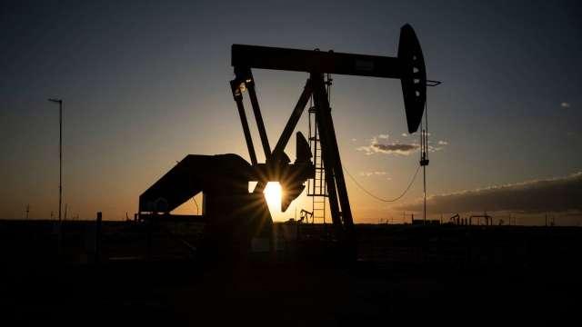 〈能源盤後〉OPEC+戮力減產 新減產限額啟動 支撐油價漲逾2% (圖:AFP)
