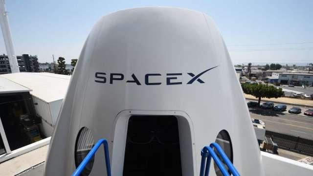 今年圓夢!SpaceX商業太空旅行最快第4季升空 將寫全民參與紀錄 (圖:AFP)