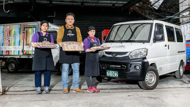 趴趴走美食工坊e-VERYCA菱利外燴車綠能上路。(圖:中華車提供)