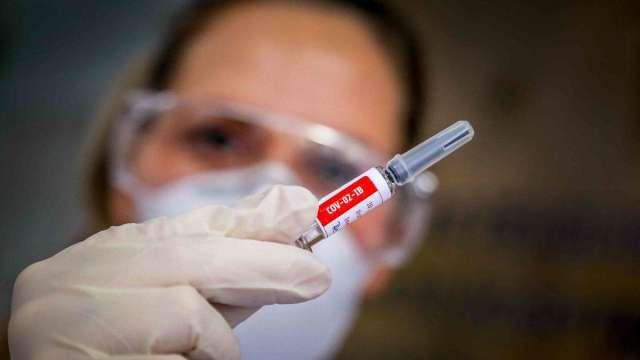 保守看待全年出貨20億劑疫苗 輝瑞:有望貢獻150億美元營收 並維持長期需求(圖:AFP)