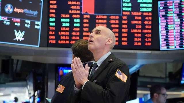 賣出指標飆升如金融海嘯前夕 美銀示警:美股恐面臨雙位數的跌幅(圖:AFP)