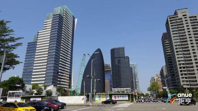 台中市去年住宅開工量3萬1017宅,居六都之冠。(鉅亨網記者張欽發攝)