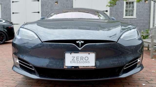 電動車帶動車用半導體需求大增。(圖:AFP)
