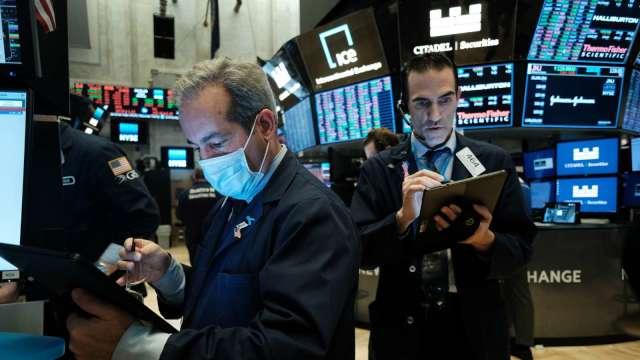 散戶慎防主力倒貨!AMC重挫近10% 又一大股東有意拋售持股 (圖片:AFP)