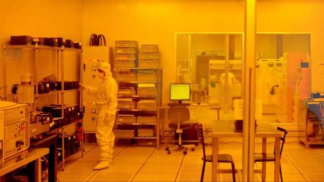 榮化計劃赴美設廠 助美實現晶片供應鏈本土化  (圖:AFP)