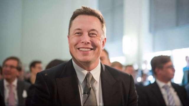 SpaceX募資助陣 馬斯克重回世界首富寶座 (圖:AFP)