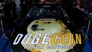 馬斯克最愛的狗狗幣 央行小編揭密起源於網路打賞。(圖片:AFP)