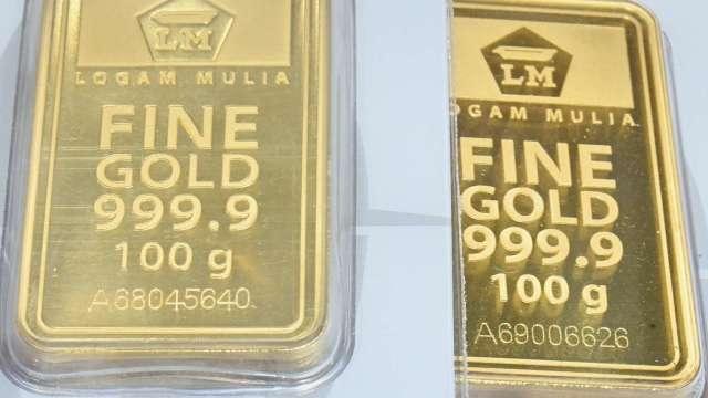 〈貴金屬盤後〉美元疲軟 黃金逆轉收高 但本週仍下跌2.5%(圖片:AFP)