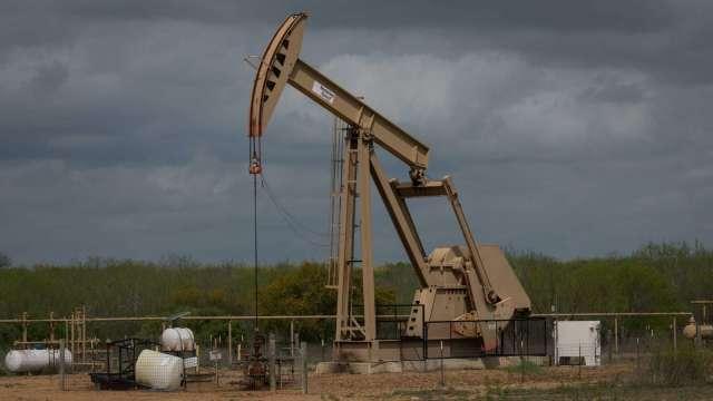 德州暴雪、經濟展望樂觀原油有撐 小摩:原油上看70美元(圖:AFP)