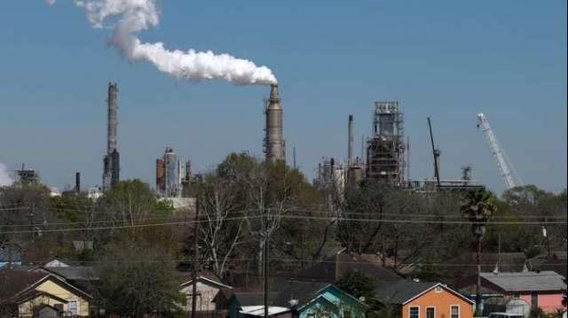 煉油廠估停擺3周才能恢復 需求驟減使油價面臨阻力(圖:AFP)