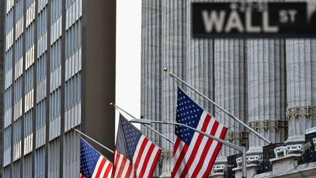 美股期貨下滑 特斯拉盤前跌逾6%(圖片:AFP)