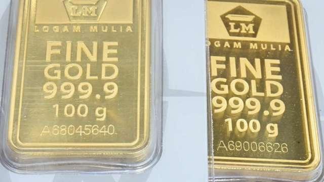 〈貴金屬盤後〉市場衡量鮑爾鴿派證詞 美元小漲 黃金自高點溫和回落(圖片:AFP)