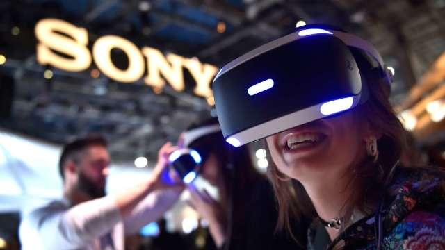 日經:SONY將推出新款VR眼鏡 預計2022年之後問世 (圖片:AFP)