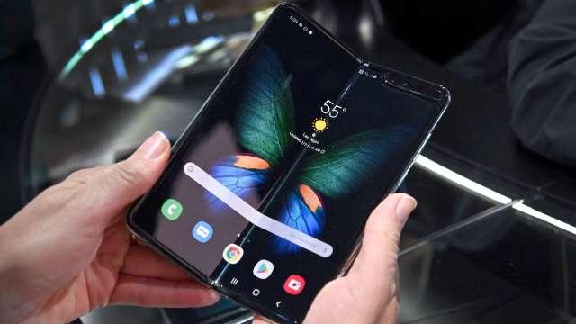 外媒:三星顯示有望為谷歌、Oppo、小米供應折疊機OLED面板