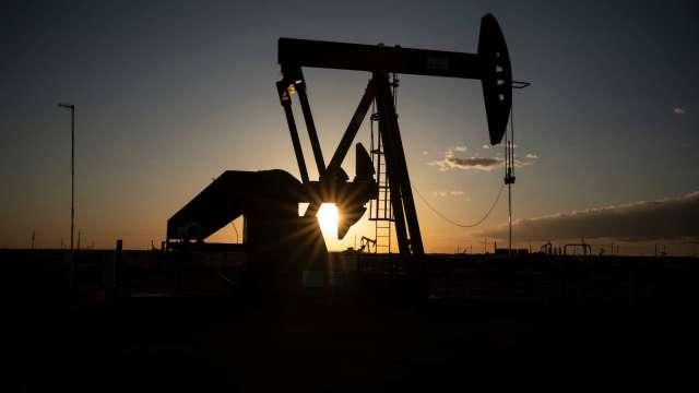 〈能源盤後〉美未來原油供應量恐大減 原油登13個月高點  (圖片:AFP)