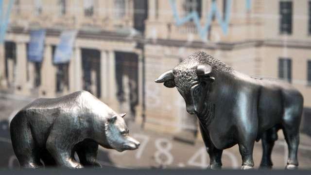 摩根大通將新興市場貨幣曝險 由增持下調至持有觀望(圖:AFP)