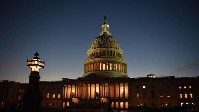 眾院放行1.9兆美元紓困案無懸念 參院這關才是挑戰。(圖片:AFP)