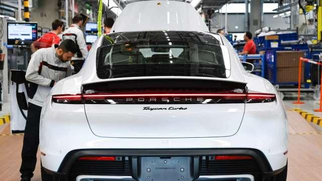 電動車商機夯。(圖:AFP)