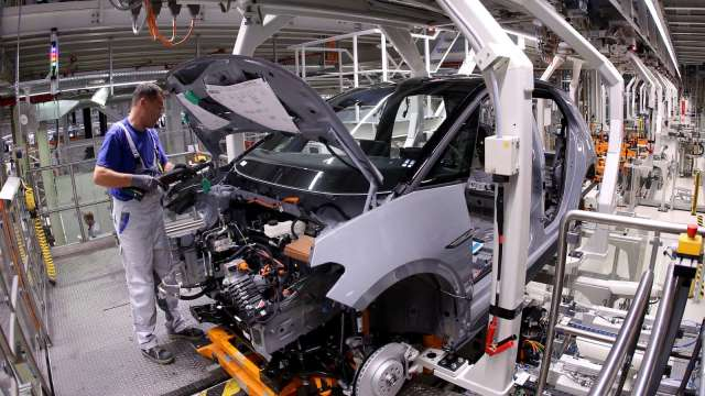 美國2月ISM製造業PMI報60.8 成本壓力將價格指數推至2008年以來最高  (圖:AFP)