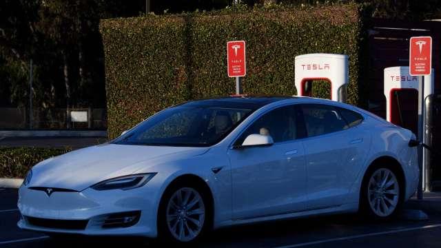 不只是特斯拉 分析師:今年電動車股價有望再飆升50%(圖片:AFP)