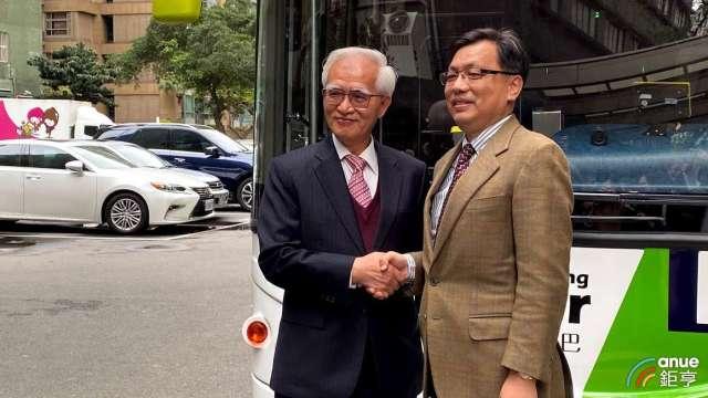 左為大同董事長盧明光,右為唐榮車輛董事長何義純。(鉅亨網記者沈筱禎攝)